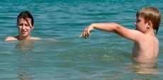 Punture di insetti e morsi al mare? Cosa fare, senza panico